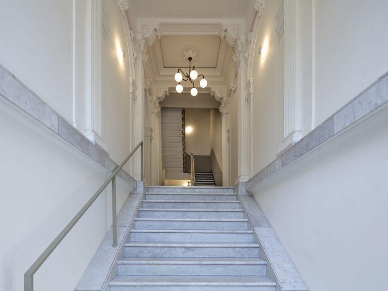 Wohn- und Geschäftshaus, Köln, Hansaring 43